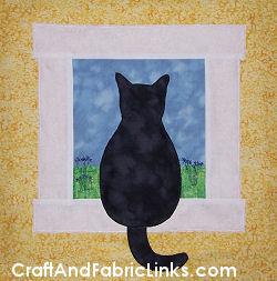 Gazing Cat Applique Wall Hanging Quilt Block Pattern