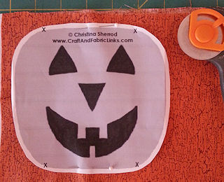cut placemat pumpkins